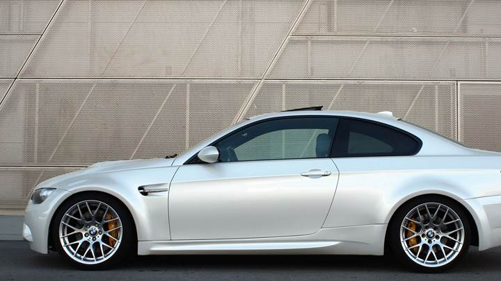 Prior Design Side Pose of BMW E92 N E93 M3-Style Wide Body Kit In White