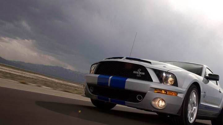 Running 2008 Ford Shelby GT500KR In Metalic Silver Front Pose
