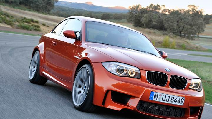 Running 2011 BMW 1 Series M in Orange