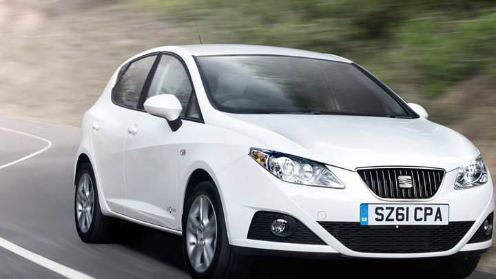 Running 2012 SEAT Ibiza 5-door SE Copa In White Front Pose