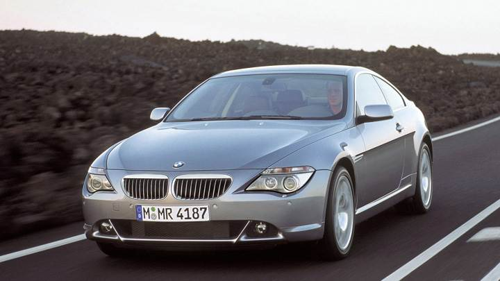 Running Fast 2003 BMW 6 Series Coupe Front Pose In Silver
