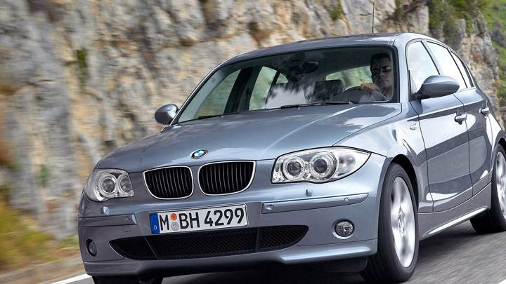 Runing BMW 1 Series Front Pose In Grey