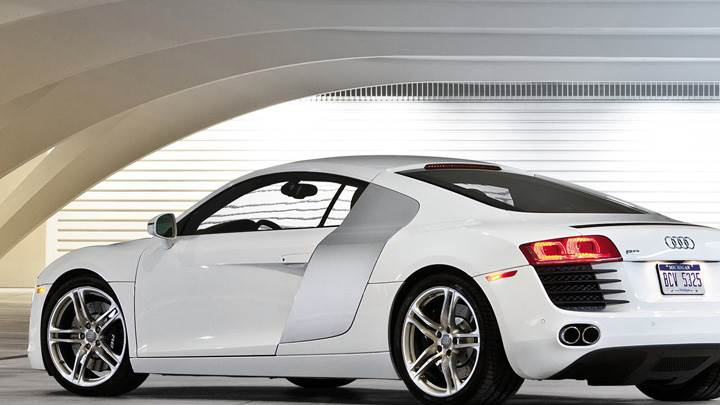 Side Back Pose Of Audi R8 In White