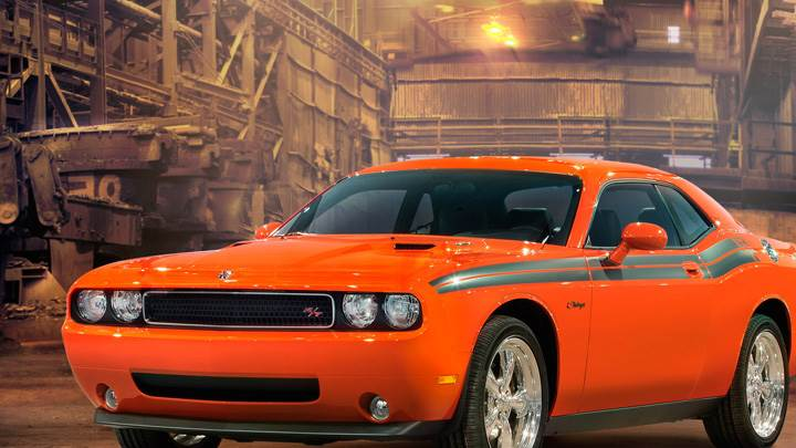 Side Front Pose Of 2009 Dodge Challenger RT Classic In Orange
