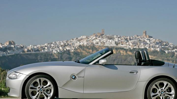 Side Pose Of 2005 BMW Z4 Roadster In Silver