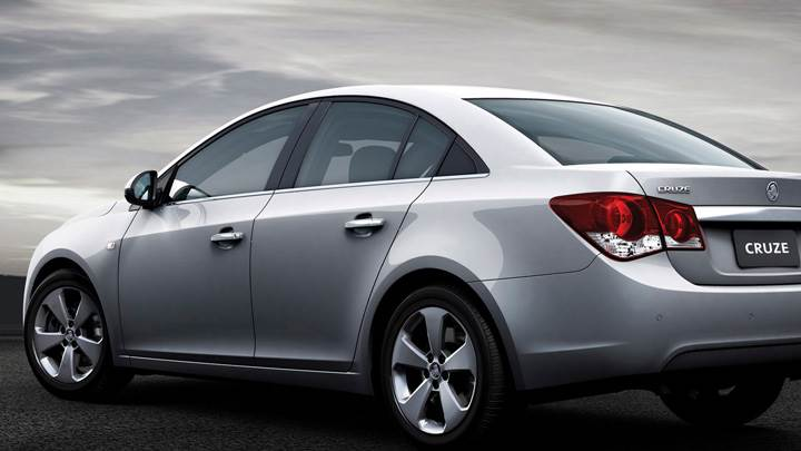 Side Pose Of 2009 Holden Cruze CDX In Grey