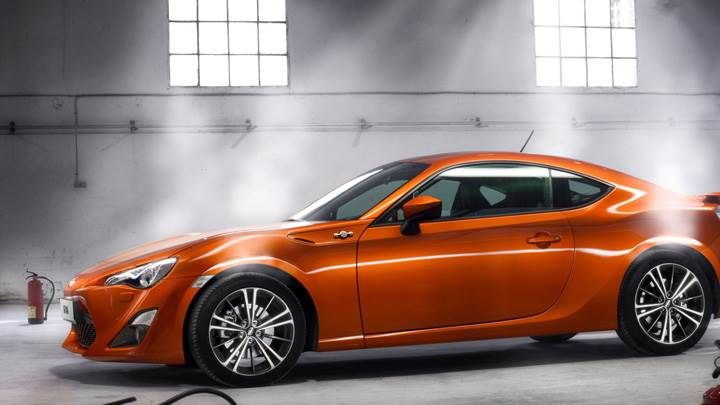 Side Pose Of 2012 Toyota GT 86 In Orange
