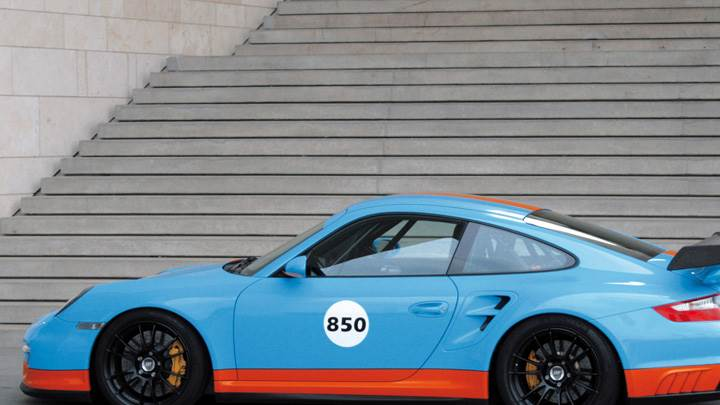 Side Pose Of Porsche 9ff 997 BT2 In Blue