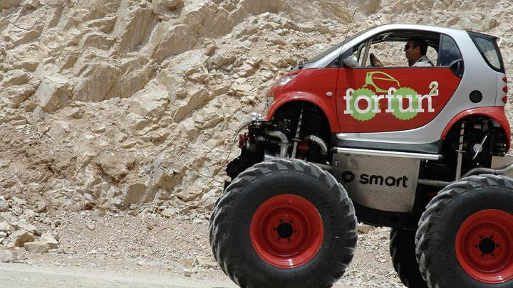 Smart Forfun Monster Truck Side Pose
