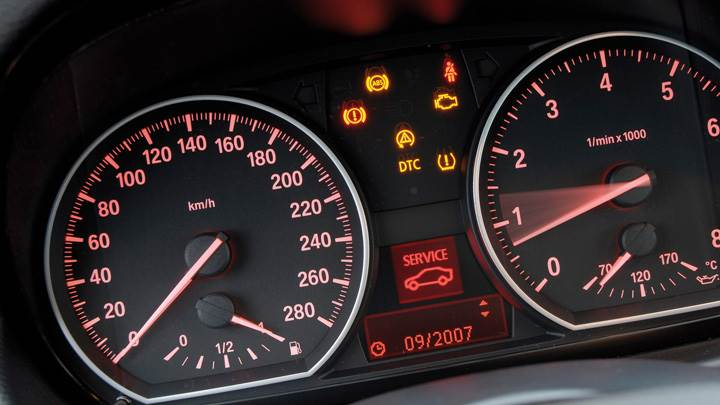 Speed-O-Meter Closeup Of 2007 BMW 1 Series E82 135i Coupe