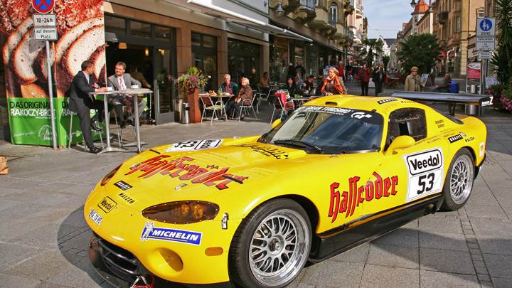 Zakspeed Dodge Viper In Yellow Side Pose