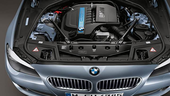 Engine Closeup Of 2012 BMW ActiveHybrid 5