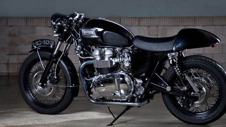 2010 Triumph Bonneville in Black Color