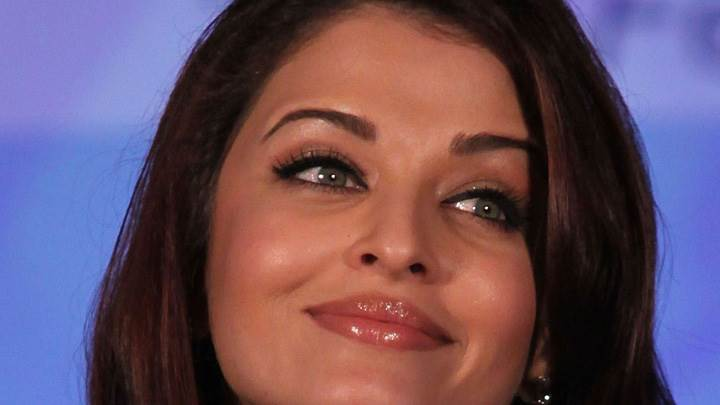 Aishwarya Rai Smiling Cute Face Closeup At Lavasa Womens Drive