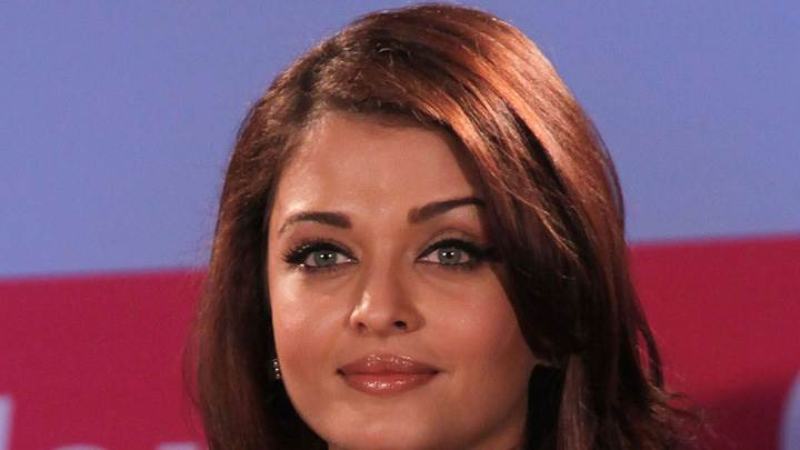 Aishwarya Rai Cute Eyes Wet Lips At Lavasa Womens Drive