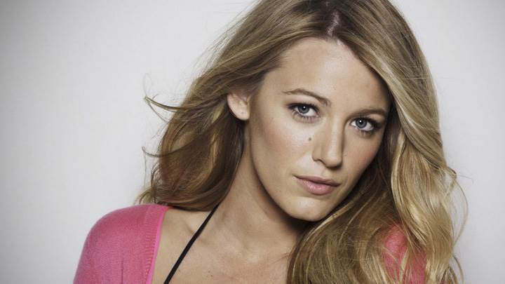 Blake Lively Looking Front Cute Eyes Photoshoot