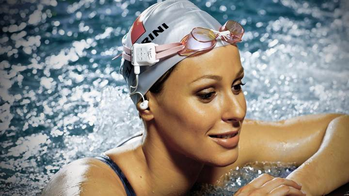 Federica Pellegrini – Enjoying Music UnderWater