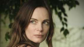 Gabrielle Anwar Looking Back Cute Face Closeup