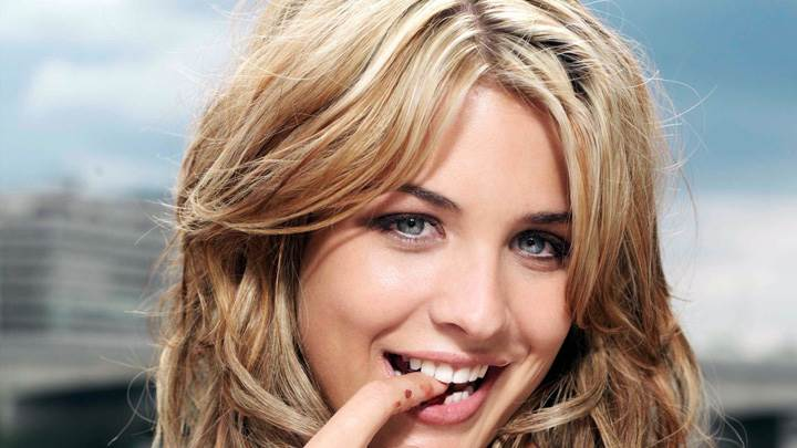 Gemma Atkinson Smiling Cute Naughty Face Closeup