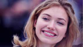 Imogen Poots Smiling Red Lips N Cute Eyes Face Closeup