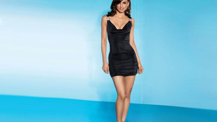 Jessiqa Pace In Black Dress Modeling Pose