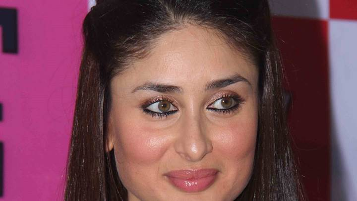 Kareena Kapoor Pink Lips N Cute Eyes Face Closeup At Event
