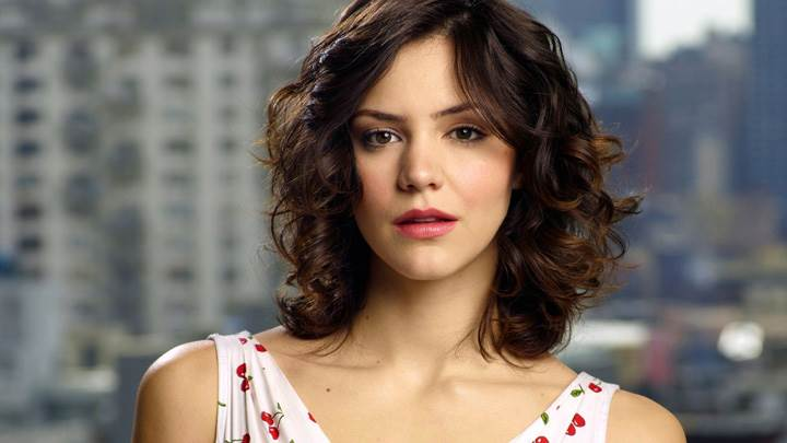 Katharine McPhee Red Lips Looking At Camera Cute Front Pose