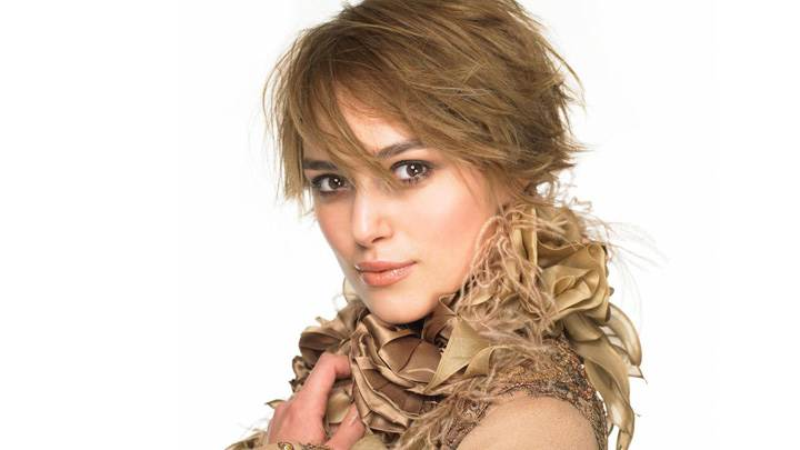 Keira Knightley Orange Lips Cute Looking Photoshoot