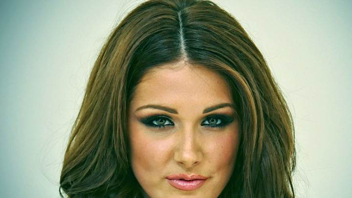 Lucy Pinder Smiling Looking At Camera Face Closeup