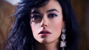 Maria Grazia Cucinotta Looking At Camera Pink Lips Face Closeup