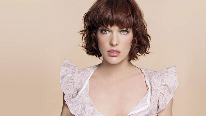 Milla Jovovich Looking At Camera Front Pose Photoshoot