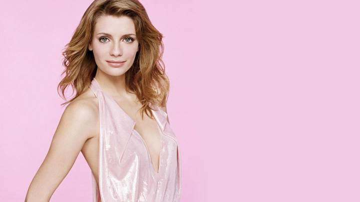 Mischa Barton Smiling Side Modeling Pose Photoshoot