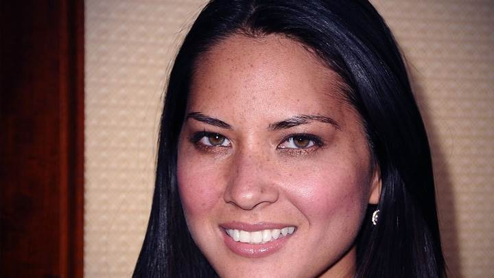 Olivia Munn Smilling Pink Lips Cute Face Closeup