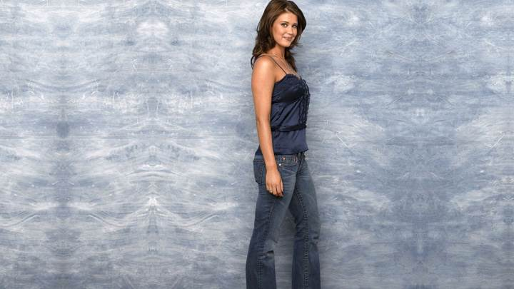 Sarah Lancaster In Blue Top N Jeans Side Pose Photoshoot