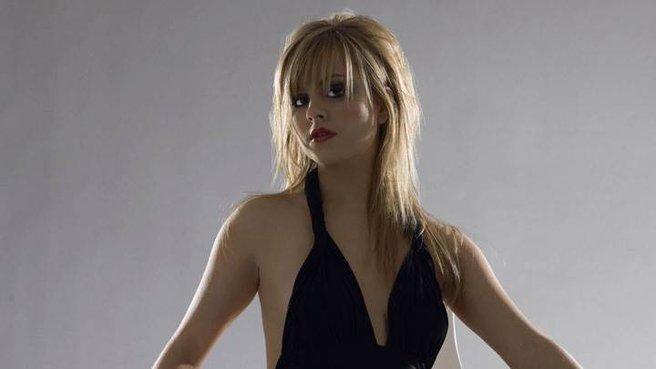 Tina O'Brien In Black Dress N Red Lips Photoshoot