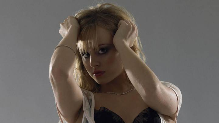 Tina O'Brien Looking Front In Black Bikini N Red Lips Photoshoot