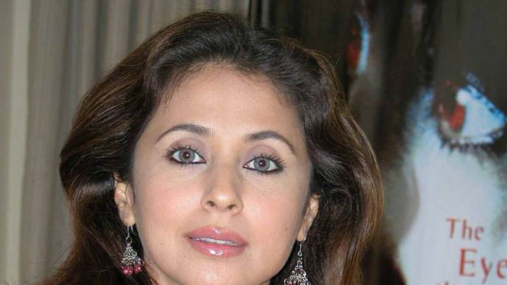 Urmila Matondkar Looking Front Cute Eyes N Pink Lips Face Closeup