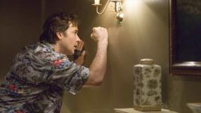 1408 – John Cusack Punching On Wall