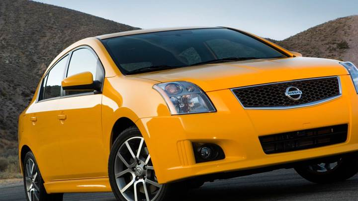 2008 Nissan Sentra SE-R Side Front Pose In Yellow