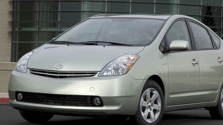2008 Toyota Prius Touring Edition In Silver Front Side Pose