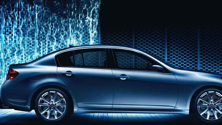 2009 Infiniti G37 In Blue Night Pose