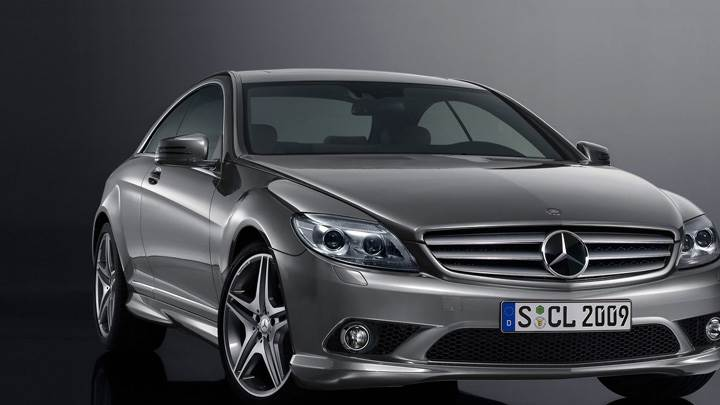 2009 Mercedes-Benz CL 500 Front Pose In Grey