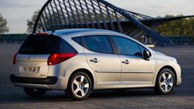 2009 Peugeot 207 SW Side Pose In White