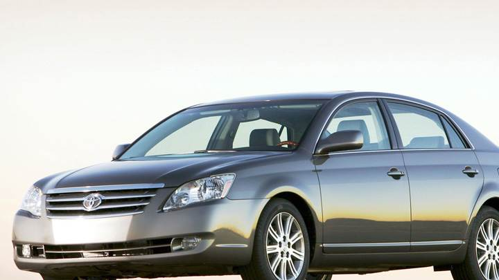 2009 Toyota Avalon In Grey Front Side Pose