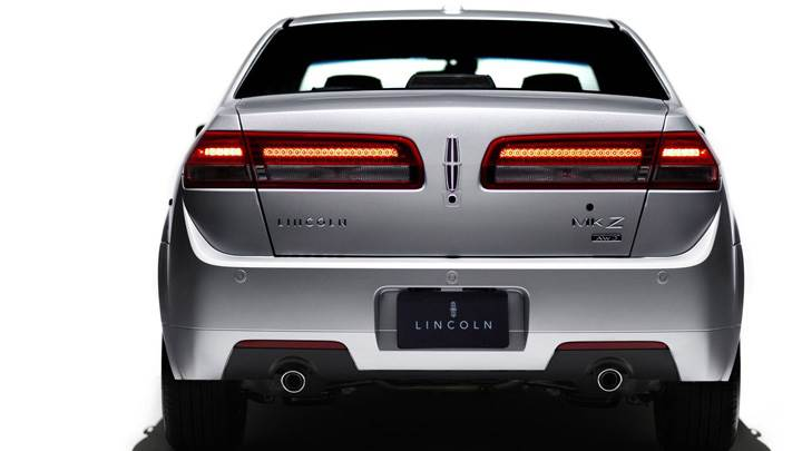 2010 Lincoln MKZ In Silver Back Pose