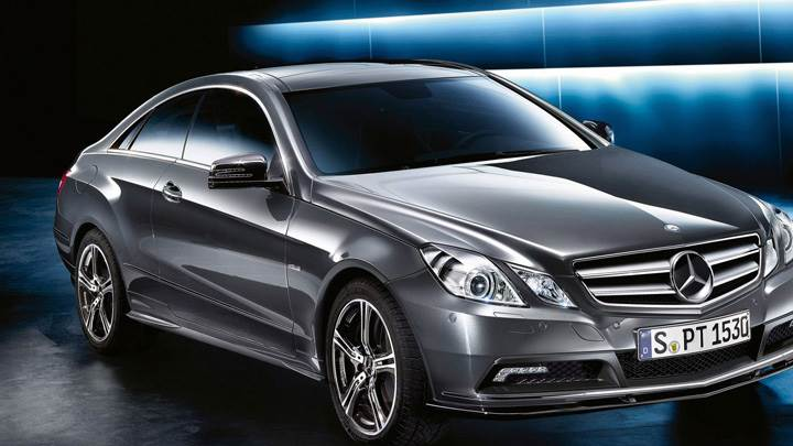 2010 Mercedes-Benz Sport E Class Front Side Pose In Grey