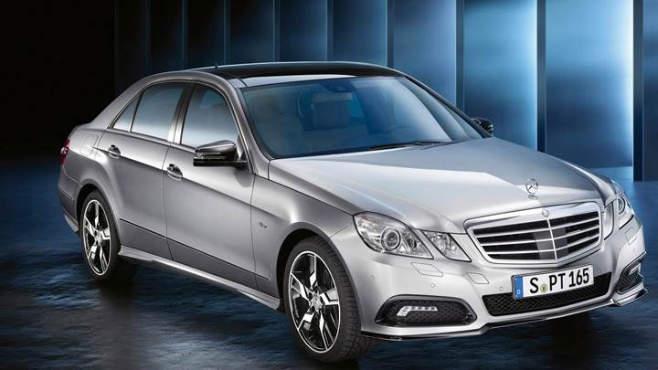 2010 Mercedes-Benz Sport E Class In Silver Front Side Pose