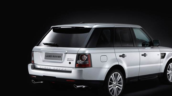 2010 Range Rover Sport Side Back Pose In White N Black Background