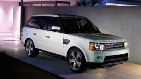 2010 Range Rover Sport Side Pose In White