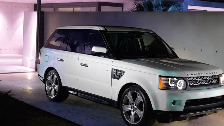 2011 Range Rover Autobiography Limited Edition In Black Side Pose